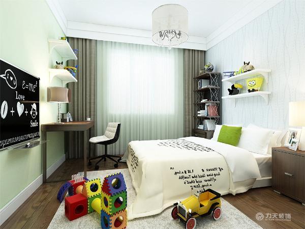 次卧改成儿童房,有写字台,方便写字学习,床方便休息,窗边有书架,可以放书。