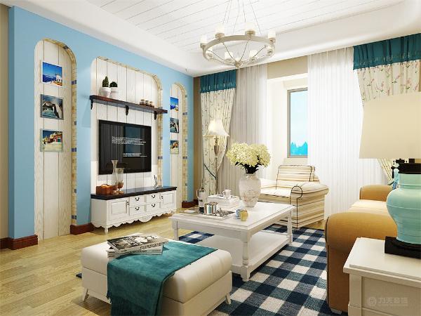 整个设计风格不难看出从顶面简练的线条到地面纹理做到承上启下,首尾呼应,客厅的地砖、从颜色上也做了一个整体的搭配。