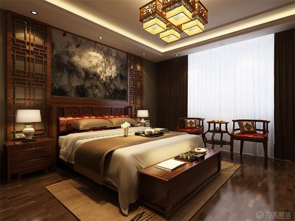 卧室背景墙用木头做了独特造型,并选用中式双人床,因空间大,还配了两把中式座椅,和一个圆桌,方便主人休息阅读。