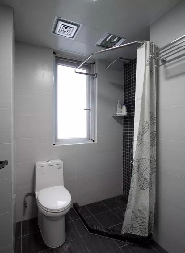 ▲ 次卫是淋浴房