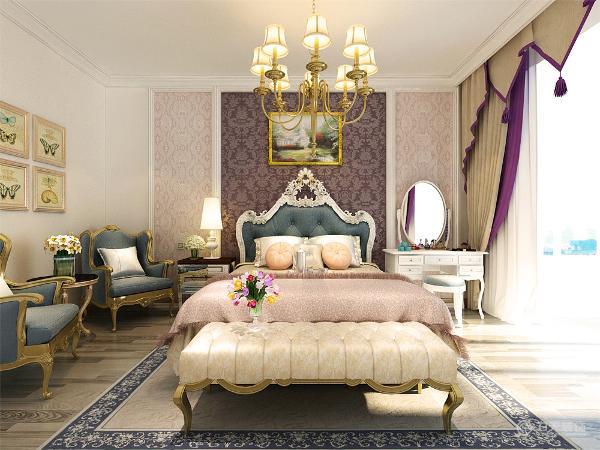 主卧室,采用的是蓝紫色调。符合业主的年龄需求。床铺背上分为三个部分两侧一样的壁纸中间重色壁纸。