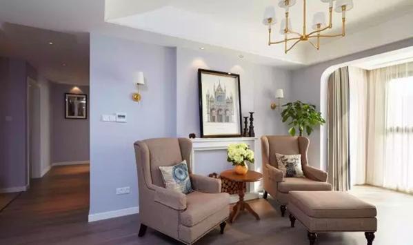 ▲ 壁炉造型和单人沙发,纯正的美式风情