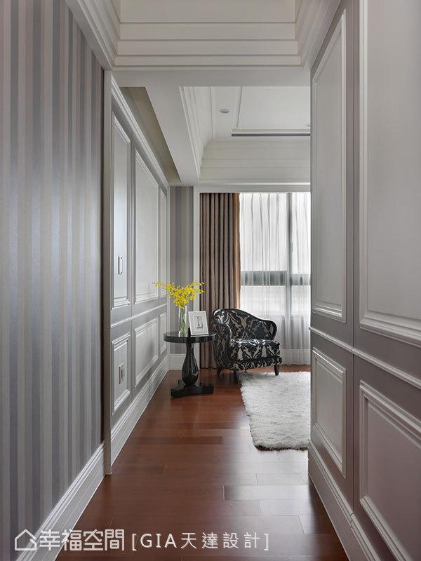 入门端景处的窗边规划一隅休憩区,不仅做为动线的美好凝望,更是入眠前的歇心沉淀之所。