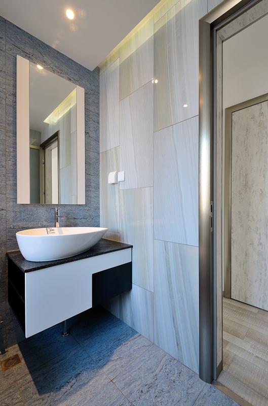 具有设计感的台上盆让简单的浴室柜具有变化性。