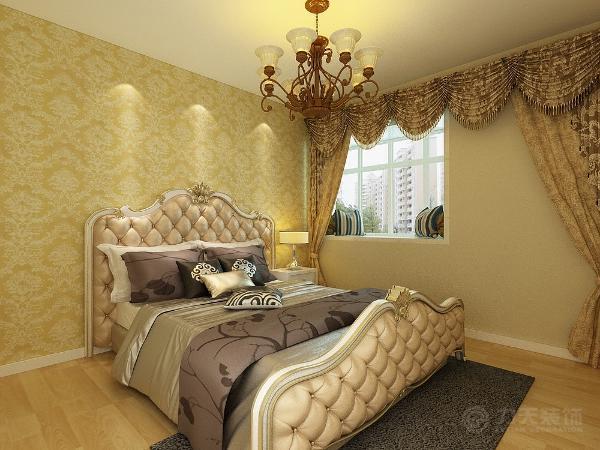 主卧没有太多的造型,壁纸采用了AB面的壁纸,床的背景选取了传统的欧式风格,大马士革的壁纸,整体色调为暖色系,因为卧室主要是休息的作用。