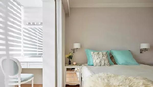 ▲ 卧室打通的阳台设置了化妆台