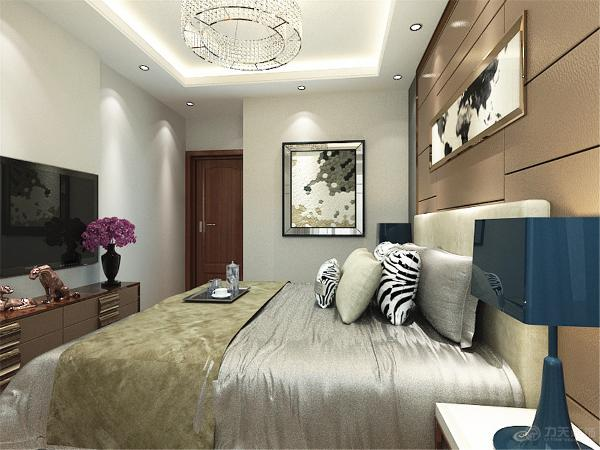 电视柜是以石材和木地板上墙结合,显的整个空间比较亮堂。沙发背景墙是以画为主,用石材和木地板上墙和影视背景墙做呼应。