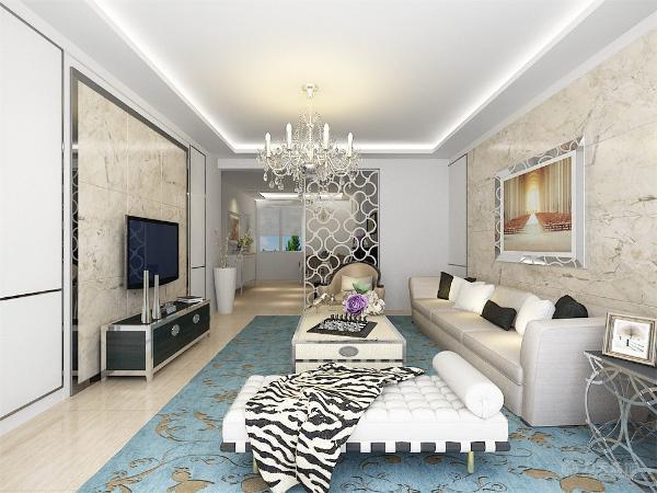 此户型为花样年华郡三室两厅两卫标准户型,面积约133平米。