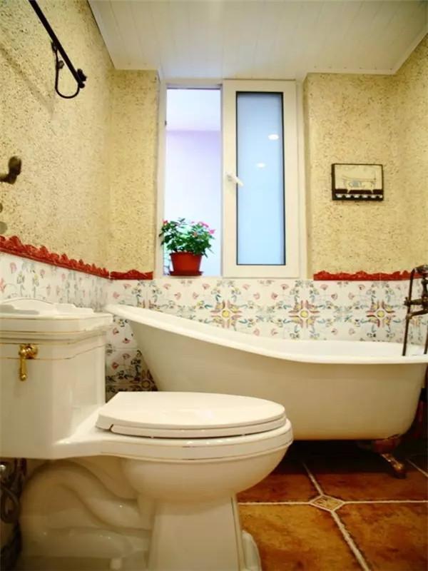 印花瓷砖打底,磨砂墙面配上仿古地砖,演绎出田园风的雅致。