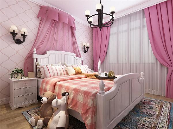 儿童房以粉色调为主,白色的公主床加上床头粉色的帷幔,使整个房间充满了活泼的气氛。