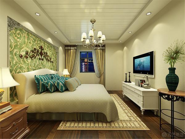 美式家居的卧室布置较为温馨,作为主人的私密空间,主要以功能性和实用舒适为考虑的重点,
