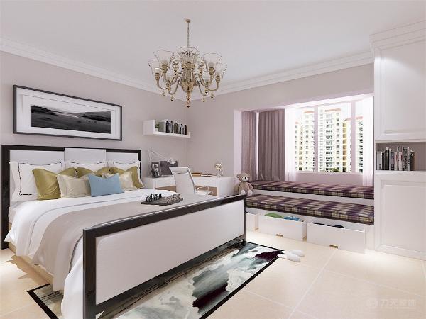 主卧飘窗以榻榻米形式表现,充分的利用了空间,两个卧室的床头背景采用挂画形式,给人以优雅舒适的视觉效果。