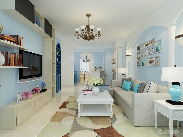 本方案是来自国风星苑两室两厅一厨一卫105㎡的户型,整体的设计风格采用的是地中海,