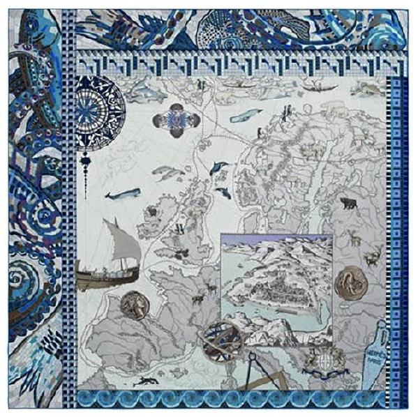 """入门玄关处,挂的是业主的爱马仕方巾,重现了亚里士多德时期的探险家皮西亚斯的远征路线,装载着许多令人心驰神往的海上故事。好马配好鞍,业主已经备了""""好鞍"""",期待着设计师的""""好马""""。"""