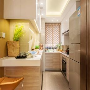 简约 三居 白领 舒适 整装 厨房图片来自岚庭家居在绿地中央广场 125m²  简约的分享