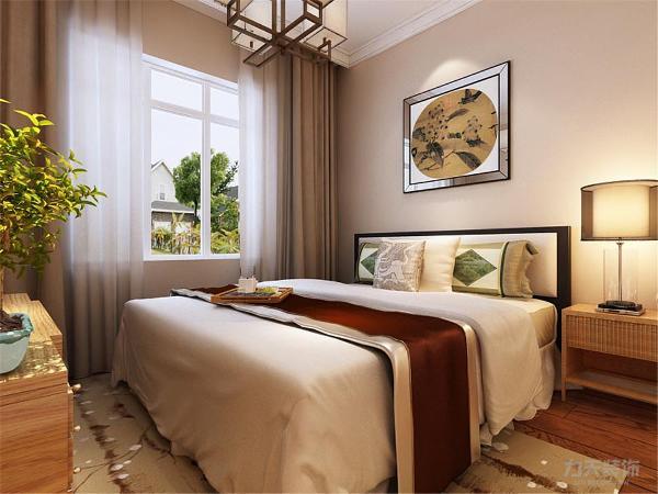 次卧室是为来访亲友设计,以暖色调为主,采用平顶,简单大方,背景墙又层次感显得不单调,地毯与墙面相呼应。