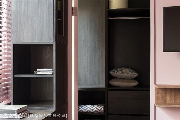 联艺设计释出部分客厅空间,让主卧拥有专属更衣室,里头可完整收纳寝具和衣物配件。