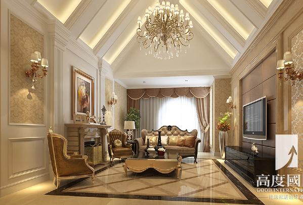 客厅,是体现整体风格最明显的区域,欧式的沙发、欧式的展示柜的装饰品等。
