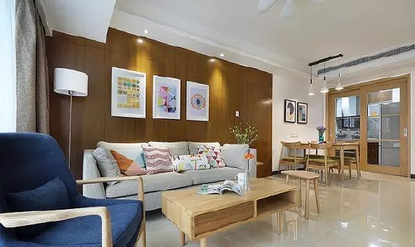舒适、轻松便是我们最心怡的家居生活,舒服的沙发最能给我们这样的感受。这款在客厅与餐厅便展示了设计者的贴心之处,小饰品成为餐厅最美的装饰,让人胃口大开。