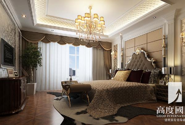 卧室:卧室采用香槟色硬包搭配金白色墙面窗纱奢华浪漫让业主尊享奢华生活。