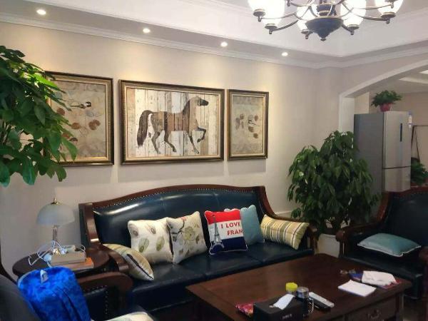 实创装饰-思念果岭147平美式风格完工实景照片-客厅沙发背景墙