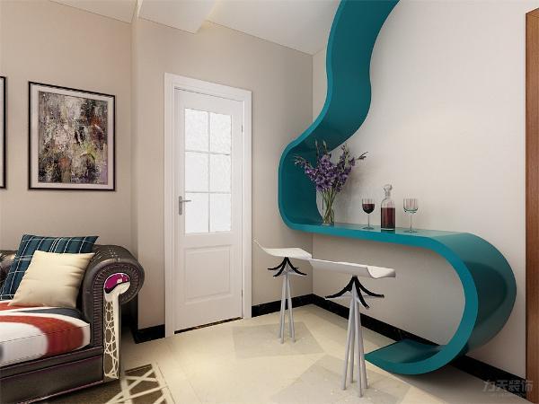餐桌的选择为二人餐桌,餐厅的面积较小,所以选择了两人餐桌,既为餐桌又可以小酌的休息区,大胆的用色使空间更有活力,客餐厅的设计很有个性。