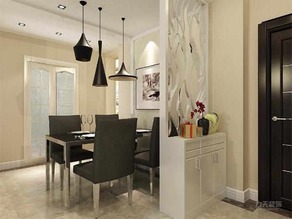 餐厅处使用了四人餐桌,餐桌的墙上同样使用了石膏线收边加壁纸设计方法,整个空间自然相接成为一体。