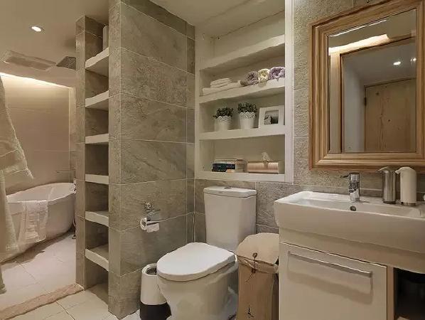 卫生间将储物功能放到最大,不仅做到了干湿分离,也让洗浴的用品能够更好的收纳。
