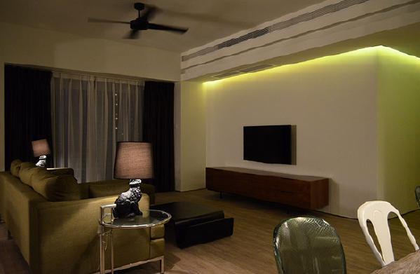 简单的电视柜,无需电视墙装饰也能体现业主对生活的独具领悟与体会