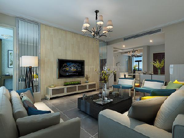 电视墙使用了镜条,跟木地板的材质起到对比作用,让空间在材质上不平淡,同时又降低了电视墙的厚重感。