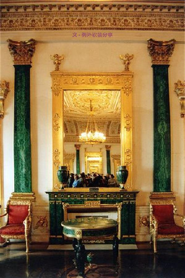气质豪华   新巴洛克风格家具的主要特色是强调力度、变化和动感,沙发华丽的布面与精致的雕刻互相配合,把高贵的造型与地面铺饰融为一体,气质雍容豪华,大量使用贵重的材料,充满了华丽的装饰,