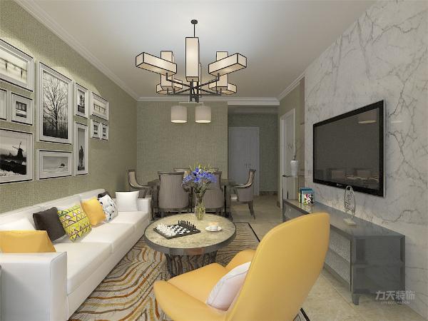 客厅作为待客区域,要明快光鲜,采用亮色地砖,使整体上宽敞明亮。墙面顶面采用上下两种颜色,这样使视觉上具有层次感,色彩也更加丰富。