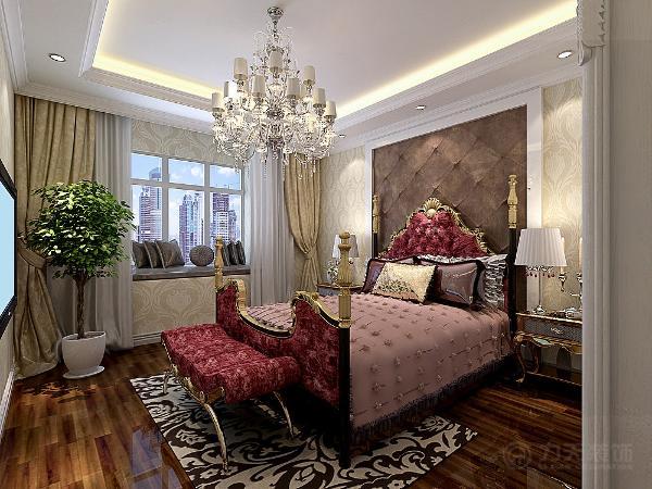 主卧室则采用木质的地板作为铺装,白色的吊顶作为装饰,次卧室是留着自己的男孩子的住所。