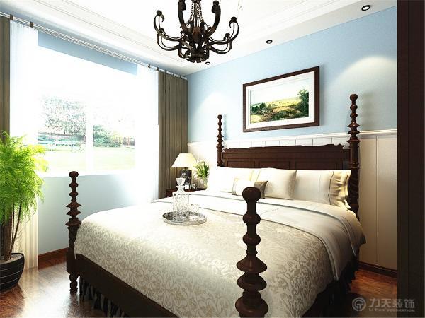 过来是次卧,次卧放一张单人床、床头柜和一个衣柜。摆设较为简单,活动范围也足够。而且房间里有一个窗户,通风效果和采光效果也会非常好的。再过来还是一个次卧,次卧放一张单人床、床头柜和一个衣柜。