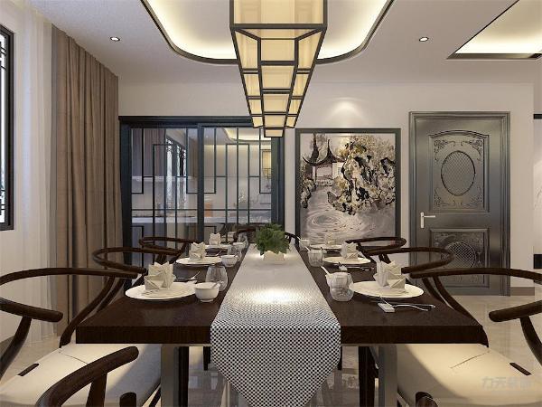餐厅采用镂空花雕做装饰,突出了本案的设计理念空间色彩以淡淡的琉璃黄为主。中式风格适合沉稳,喜欢中国传统文化的人,新中式风格并不是纯粹的传统文化元素的叠加,而是通过对传统文化的认识。