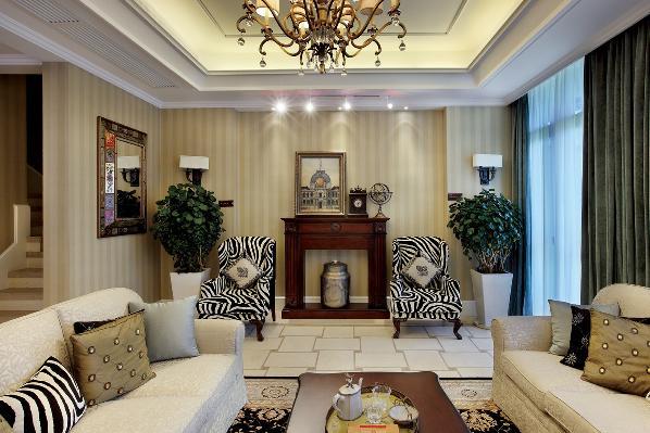 家庭室:家庭室作为家庭成员休息交流的中心,属私密性很强的空间,一般设于餐厅旁,并有电视机,同时沙发和座椅选择轻松明快的式样,室内绿化也较为丰富,装饰画较多。整体营造出华美、富丽、浪漫的气氛。