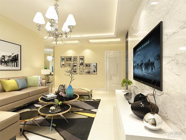 本案为观锦A户型,面积133平米三室两厅一卫标准户型。本户型设计成现代简约风格,重点突出现代简约的简约而不简单,不平凡的设计主题。