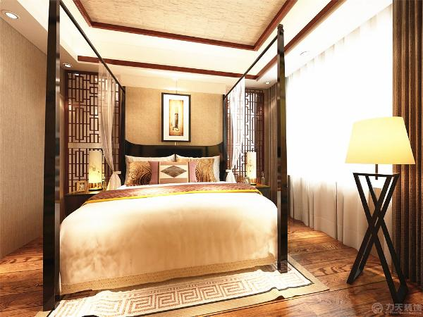 主次卧的风格设计上都是以木色为主搭配深色窗帘、浅色纱帘及众多的中式元素,中式顶面的木条搭配,金帛的运用营造了美的画面。