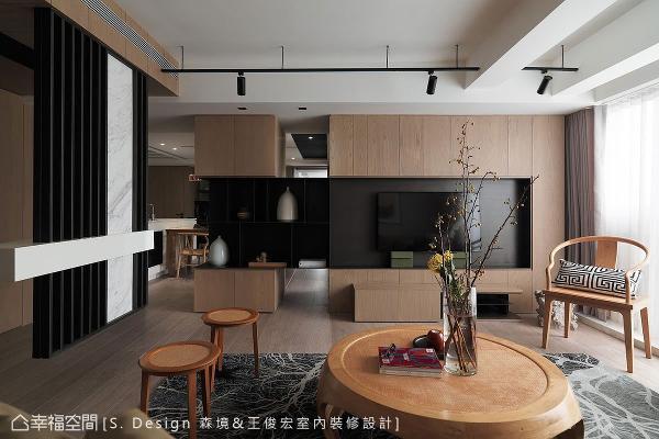 保留电视墙与管道间的独立性,运用黑铁墙柜拦腰串接,极具巧思的设计创意,不仅具备展示储物机能,也达到视线透空、光域串联的绝佳效果。