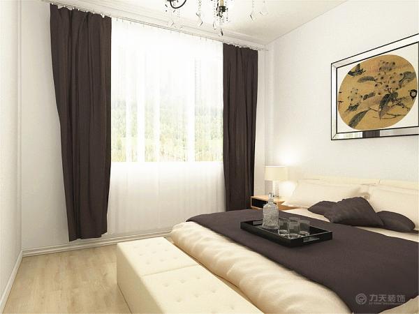 主卧室,次卧室空间都是采用的木地板铺装,卫生间和厨房空间则是采用的300*300的防滑地砖。