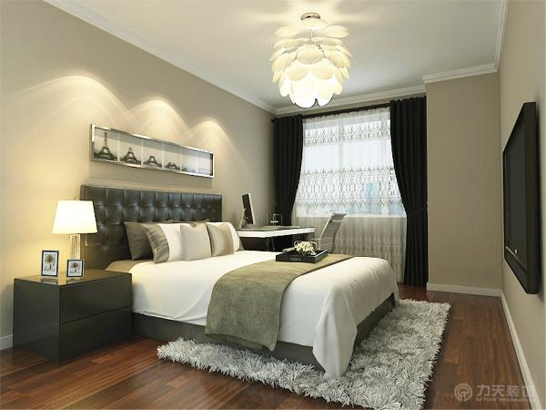 两个卧室地面木地板。