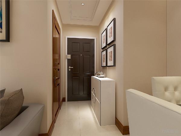 进入入户门,映入眼帘的就是客厅,客厅运用回字形吊顶,突出顶面敞亮和大气。