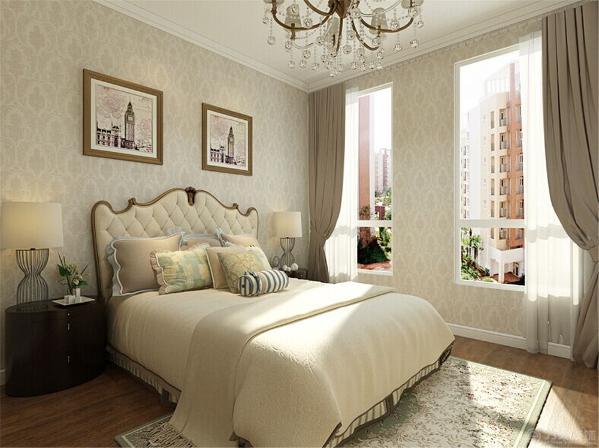 主卧的设计中,采用了简欧特色比较鲜明的特点, 无论是造型还是家具的选择,都衬托了整个简欧的文化特点。背景墙使用了石膏线型的造型,壁灯让整个空间看起来更有复古感。整体的色调也采用了温馨明亮的暖色调。