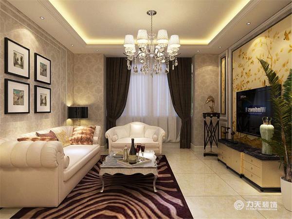 客厅中电视背景墙采用的石膏板流体造型,中间是略带淡黄色花纹的壁纸,彰显时尚与个性。整体空间吊顶采用石膏板灯池吊顶造型,增强空间点线面的完美结合,使空间很大方,富有节奏韵律