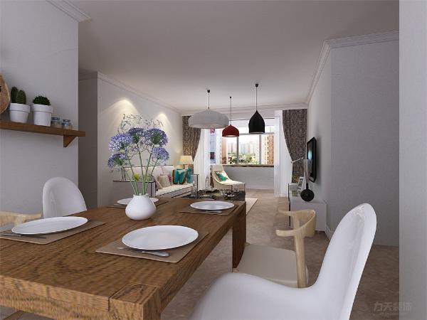 餐厅在客厅的旁边,方便就餐。客厅与餐厅会形成过堂风,起到冬暖夏凉的效果