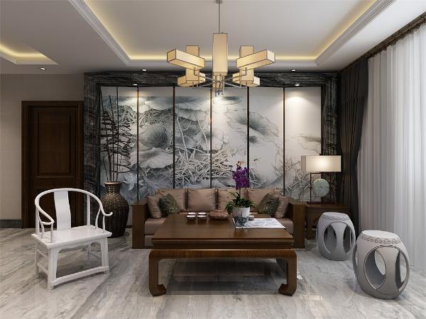 客厅的沙发背景墙用了中式壁画,大理石包口,高端大气。电视墙根据女主人的需要,则放置了一些中式拼花,造型美观,又丰富背景墙。