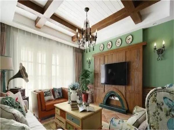 搭配泛古的实木,轻微复古吊灯,朴实随意的麻布沙发。