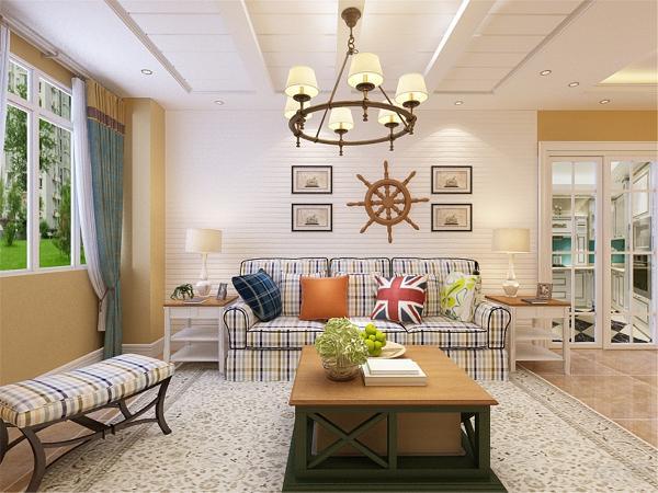 客厅上方别致的灯具,也会给人一种别样的文化气息。在茶几和餐桌上放置鲜花,即增添室内气氛又可以让人从快节奏的生活中放慢脚步,享受生活。