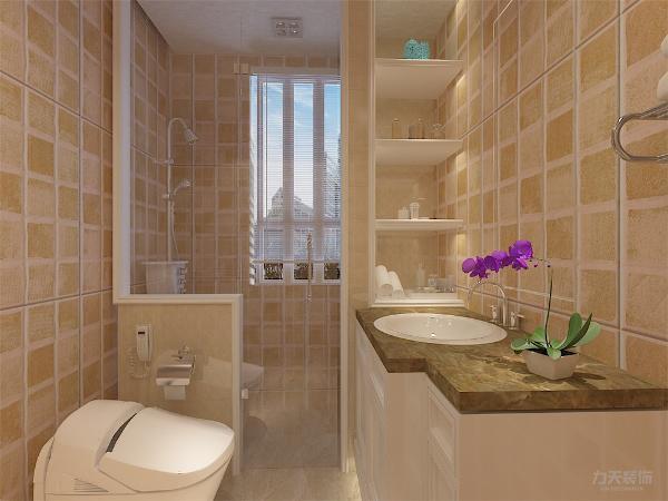 卫生间的位置也较为合理,离两个卧室都较近,空间流动较为合理。