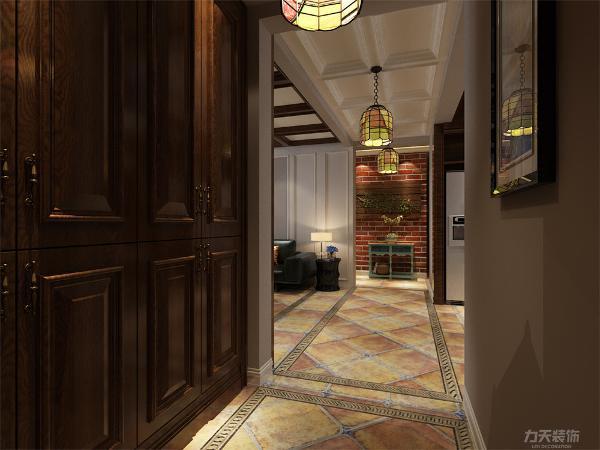 家具的选择为深木色,整体设计很舒适,适合居住。